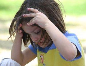Girls prays to God