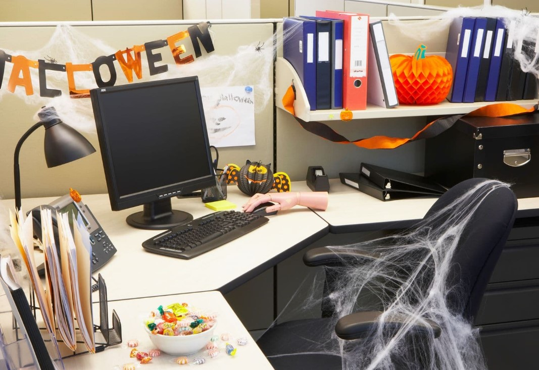 10 Tips For Decorating Your Office For Halloween