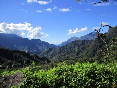 Tahiti-interior-mountain-view
