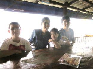 Saisuporn and her family