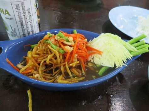 fried papaya salad chanthaburi Thailand 653