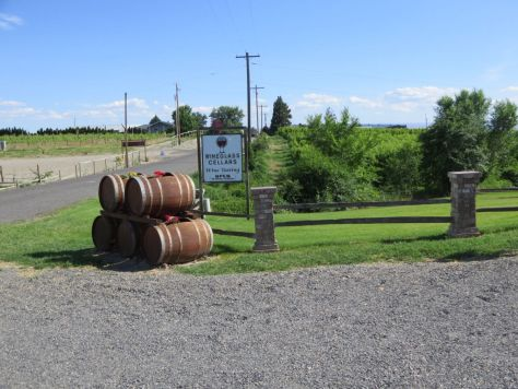 Wineglass Cellars wine tasting in Yakima Valley