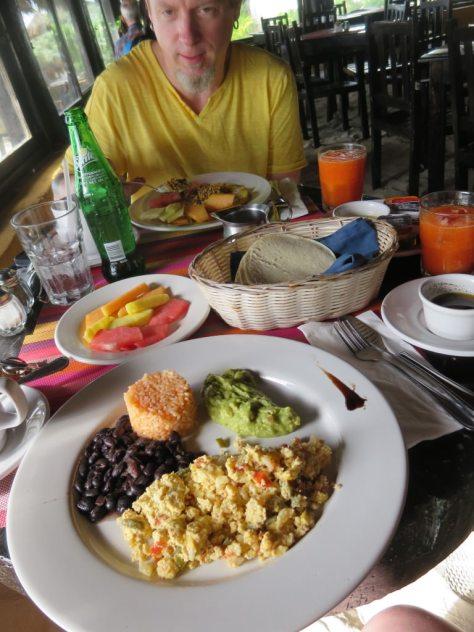 La Vita e Bella breakfast Tulum