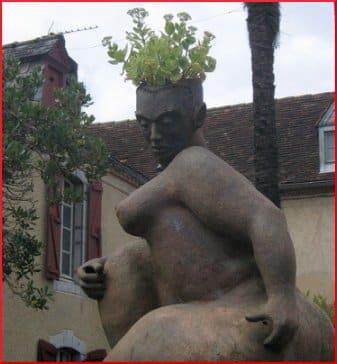 statue celebre