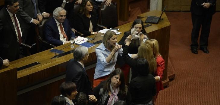 El tenso momento que enfrentó en la Cámara a Pamela Jiles, Érika Olivera y Camila Flores