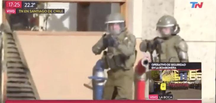 Impactante video: periodista fue baleado por un Carabinero mientras despachaba en vivo