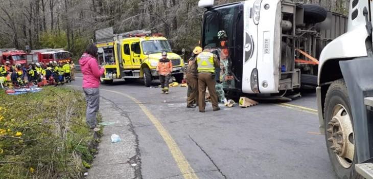 Revelan VIDEO del momento exacto de FATAL ACCIDENTE que dejó 3 MUERTOS y 40 heridos en La Araucanía