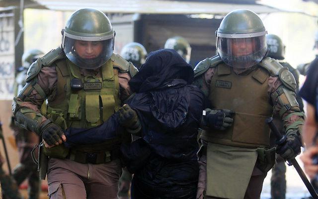 INDH informa de 3.193 detenidos, 1.092 personas heridas y 17 querellas por violencia sexual