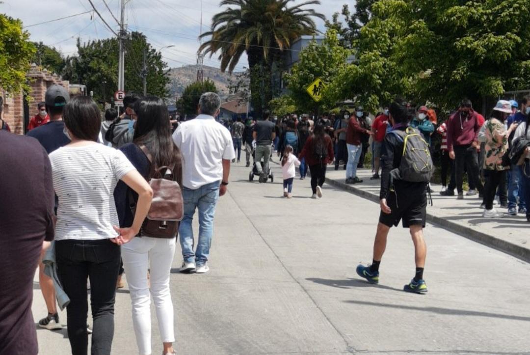 MILLONES de jovenes salen a votar y COLAPSAN centros de sufragio