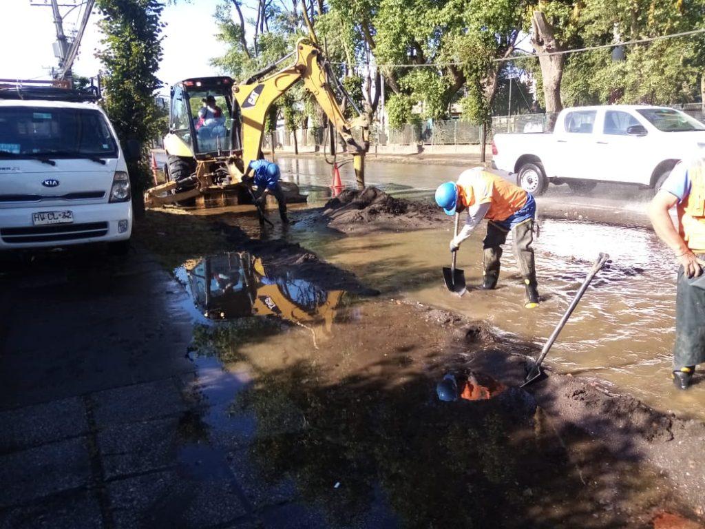 AHORA! Rotura de matriz deja SIN AGUA POTABLE a miles de personas en Hualpén y Talcahuano