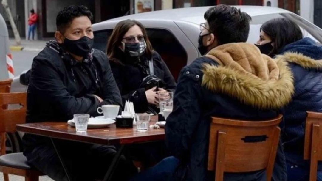 Biobío: penquistas podrán estar MÁXIMO dos horas en TERRAZAS de RESTAURANTES y cafés
