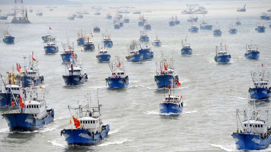 PREOCUPACIÓN entre pescadores artesanales por AVANCE de flota China en AGUAS NACIONALES