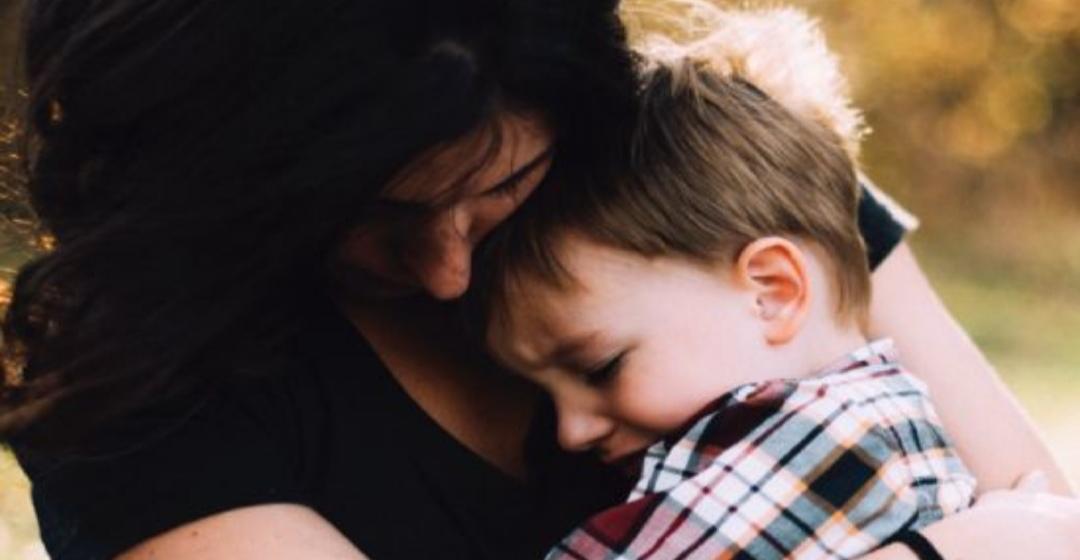 Gobierno anuncia BONO de 200 MIL PESOS MENSUALES a madres con hijos de hasta dos años