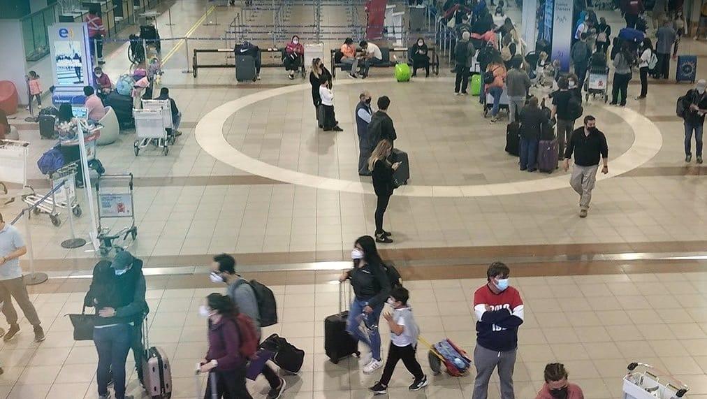 Confirman caso POSITIVO en Chile de variante SUDAFRICANA, mujer llegó de viaje a Estados Unidos