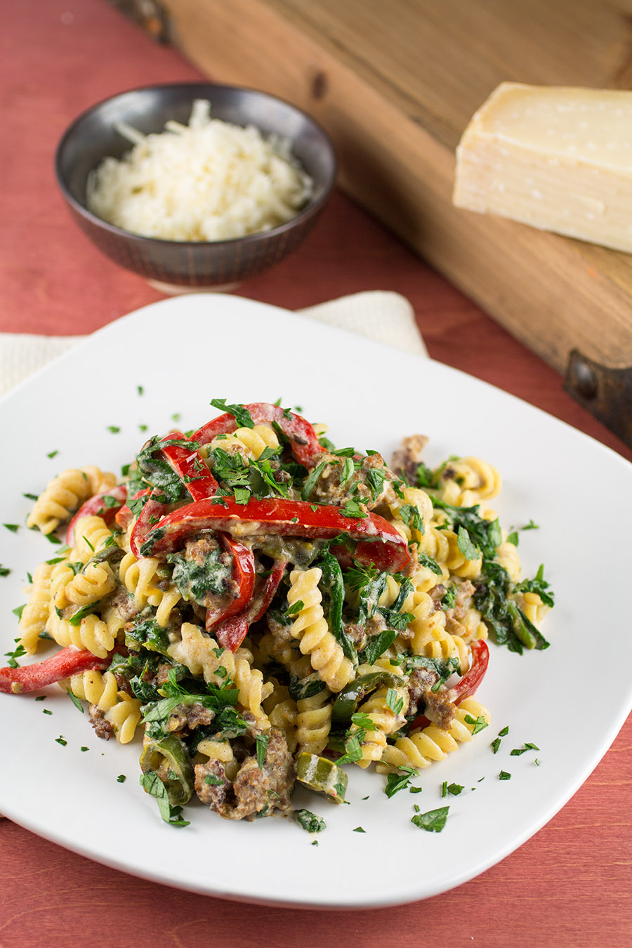 Easy Spinach and Ricotta Pasta with Peppers