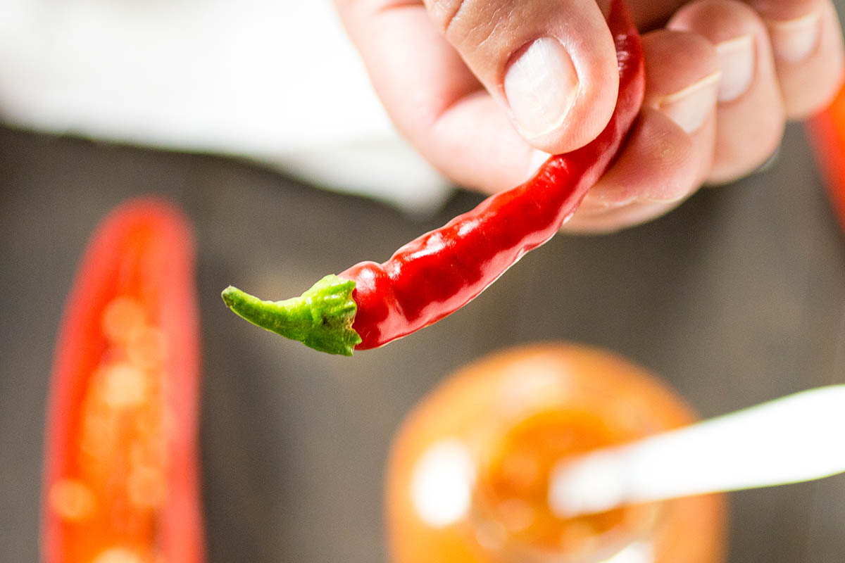 Red Chili Peppers for Sambal Oelek - Recipe