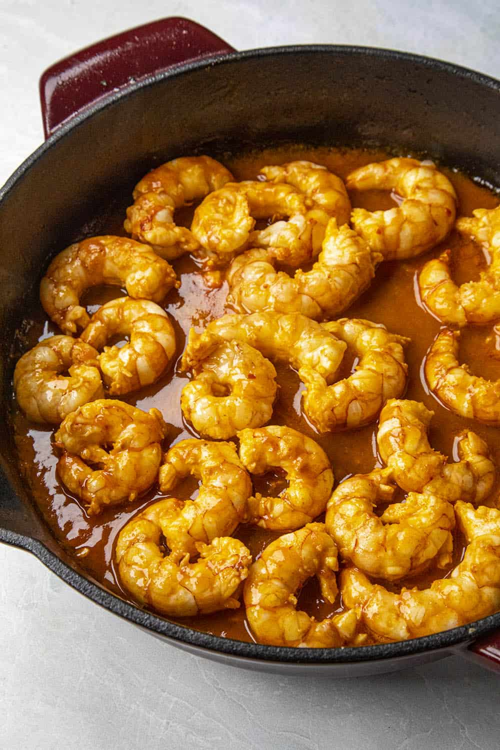 Cooking the shrimp in the pan