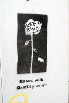 Streetart mit dem Abild einer Rose