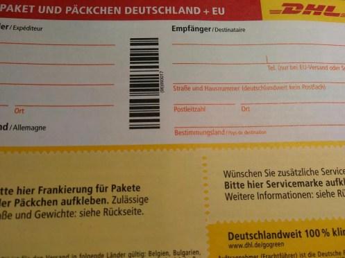 DHL Paketmarke noch unausgefüllt.