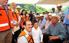 guarijíos torocoyoris con el gobernador corrupto Padrés