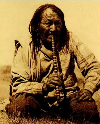 indio fumando