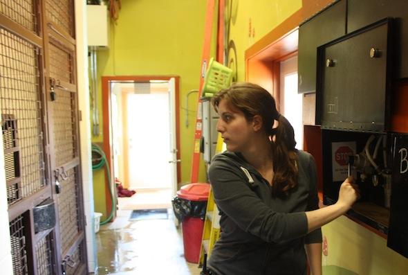 web caregiver debbie move doors (ek) IMG_2099