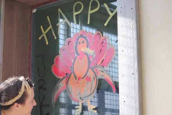 web_Thanksgiving_window_painting_by_volunteer_Sandra_GH_ek_IMG_6690