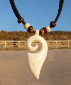 Surferkette Koru Maori Lederkette