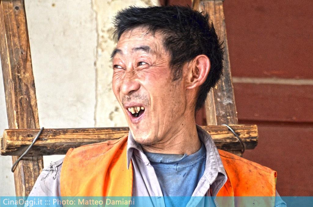 china-suburbia-053-Chinese workmen