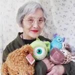 Retired worker becomes a senior internet fashionista