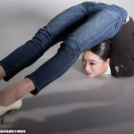 images of Liu Teng, an Amazing double jointed contortionist