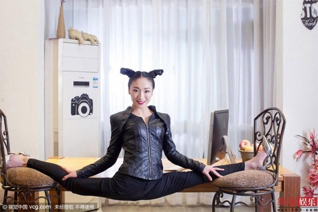 022liu-teng-la-contorsionista
