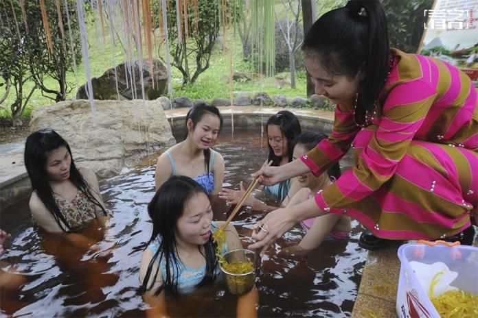 noodles hot springs