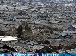Lijiang roofs