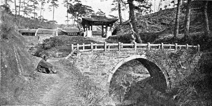 Stone bridge, Guizhou