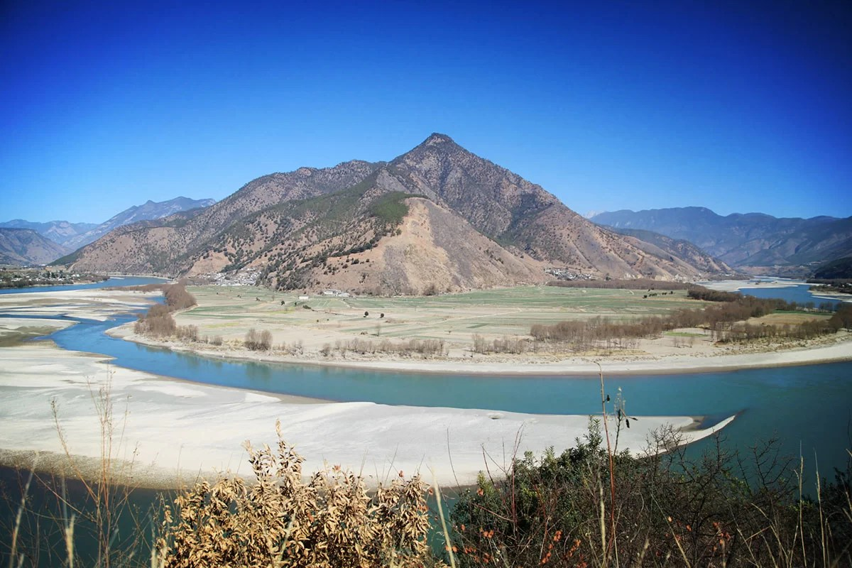 First Bend of the Yangzi River