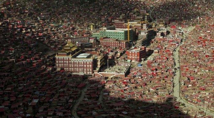 larung-gar-tibet