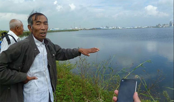 Chinese farmer fighting pollution