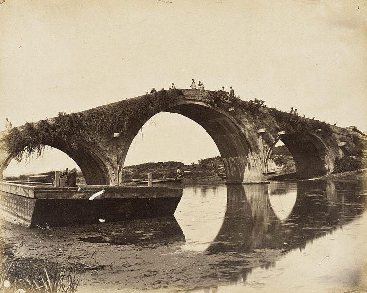 Three-arched-Stone-Bridge,-S.-China