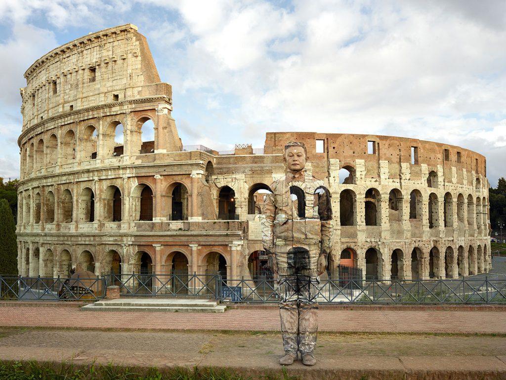 liu-bolin---Colosseo-No