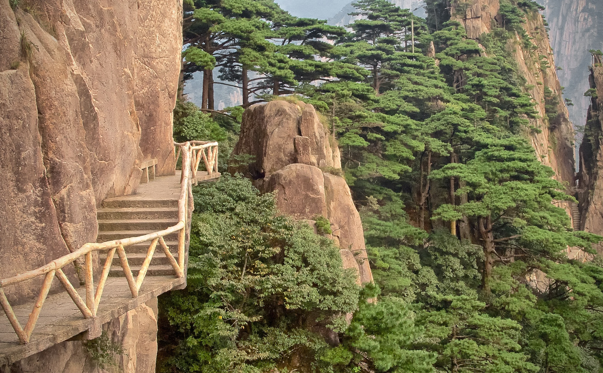 Mystic Yellow mountains Huangshan - I explore China