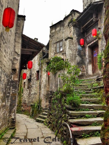 Lost in Yujia Lane, in the ancient business town of Hongjiang, Hunan.