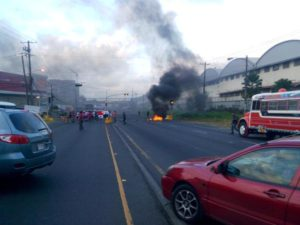 科隆市无业者多处封路抗议要求就业机会