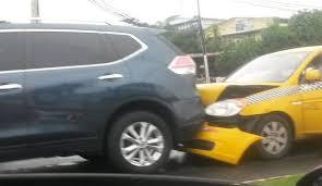 Villa Zaíta区发生八车连环相撞事故