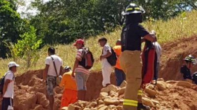 两人死于Villalobos山体滑坡