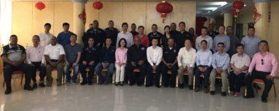 中国大使馆官员慰问科隆侨胞
