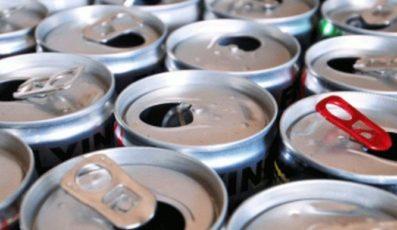 """国会女议长提出""""禁止向未成年人出售能量饮料""""法案"""