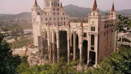 Sanjiang Church demolished. Photo: http://www.christianitytoday.com/gleanings/2014/may/walls-came-tumbling-down-china-jerusalem-wenzhou-sanjiang.html