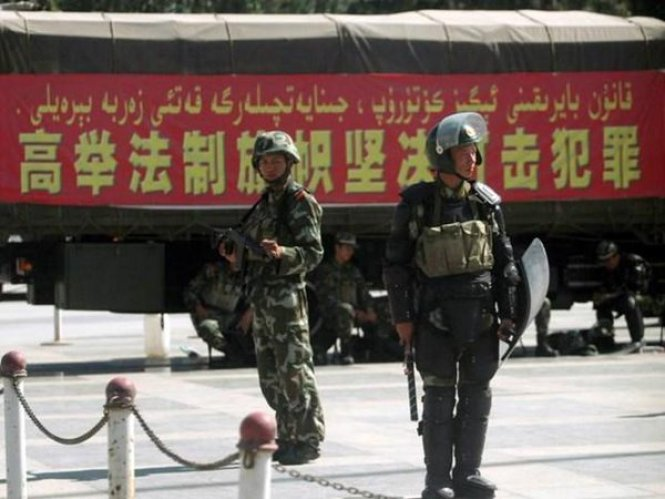 新疆_军警3