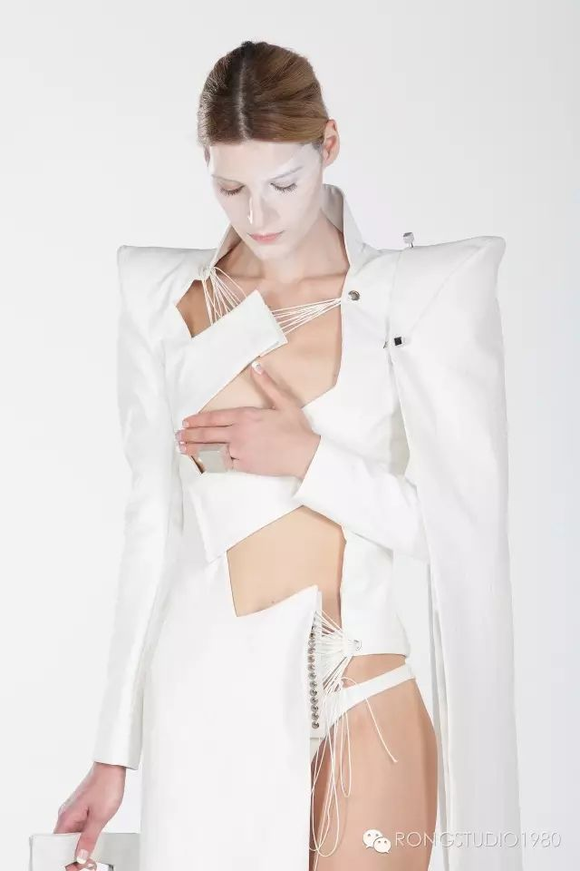 "Rong Studio, ""WHITE IS ALL/ 白生万物"" Collection. Photography by MOOI Studio"